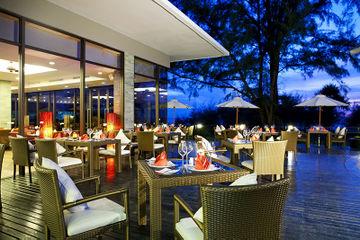 هتل سنتارا گراند وست سندز ریزورت اند ویلاس پوکت , هتل 5ستاره, هتل پوکت-مای خائو بیچ,  تایلند