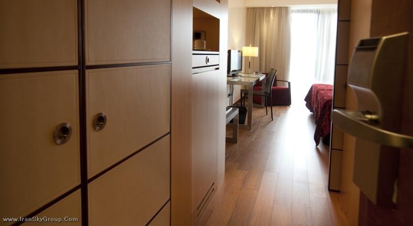 هتل  اورسترس بوداپست سنتر , 4ستاره, هتل بوداپست,  مجارستان