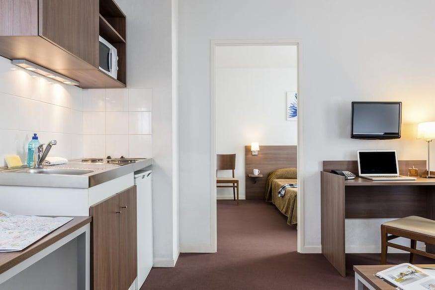 هتل اداجیو اکسز کاریرس-سوس-پویسی