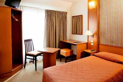 هتل ابریال
